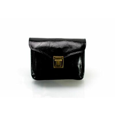 Valódi bőr  övre fűzhető táska